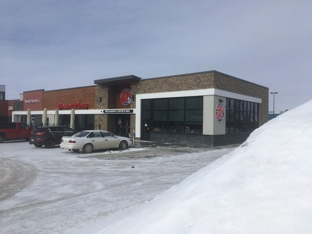 Boston Pizza building