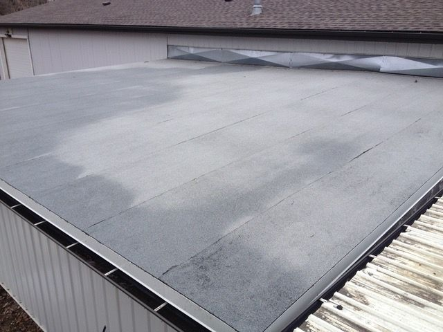 Flat roof building